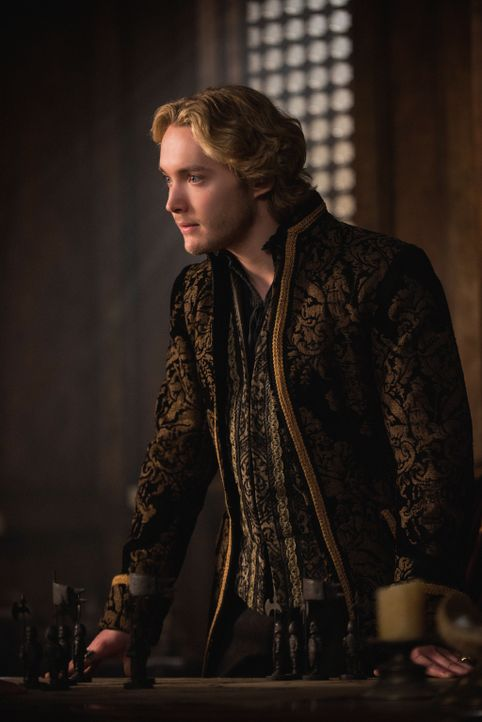 Mit dem angekündigten Angriff auf das königliche Schloss steht Francis (Toby Regbo) unter enormen Druck ... - Bildquelle: Christos Kalohoridis 2014 The CW Network, LLC. All rights reserved.