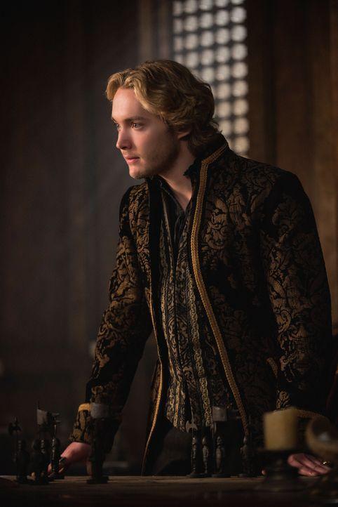 Mit dem angekündigten Angriff auf das königliche Schloss steht Francis (Toby Regbo) unter enormen Druck ... - Bildquelle: Christos Kalohoridis 2014 The CW Network, LLC. All rights reserved.