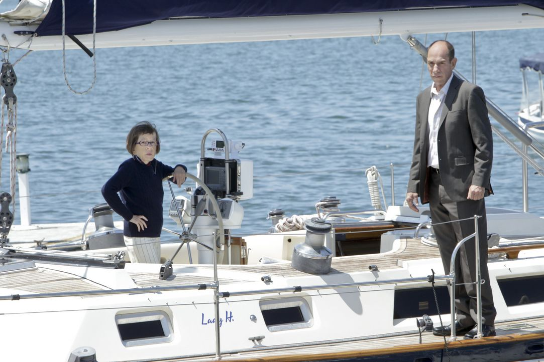 Was führen Hetty (Linda Hunt, l.) und Granger (Miguel Ferrer, r.) im Schilde? - Bildquelle: CBS Studios Inc. All Rights Reserved.
