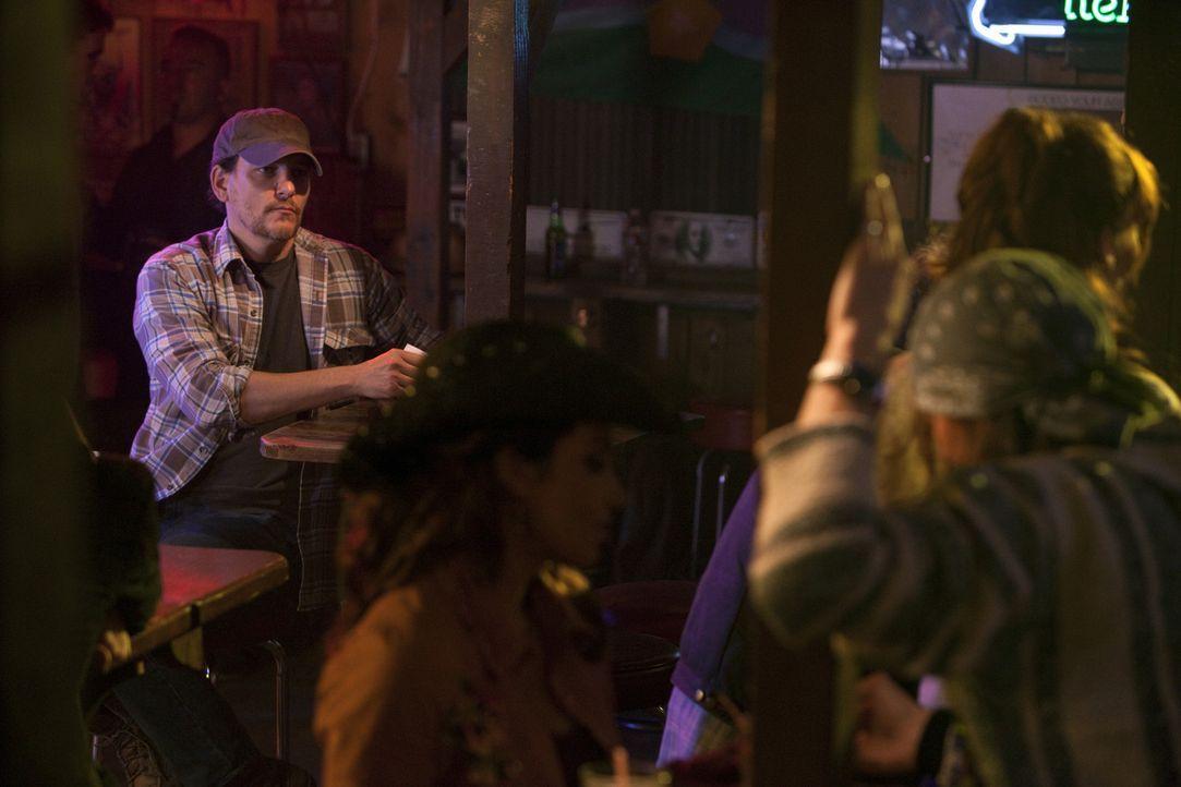 Hat Wade Hatchett (Bradford Tatum, l.) etwas mit den entführten Frauen zu tun? - Bildquelle: Touchstone Television