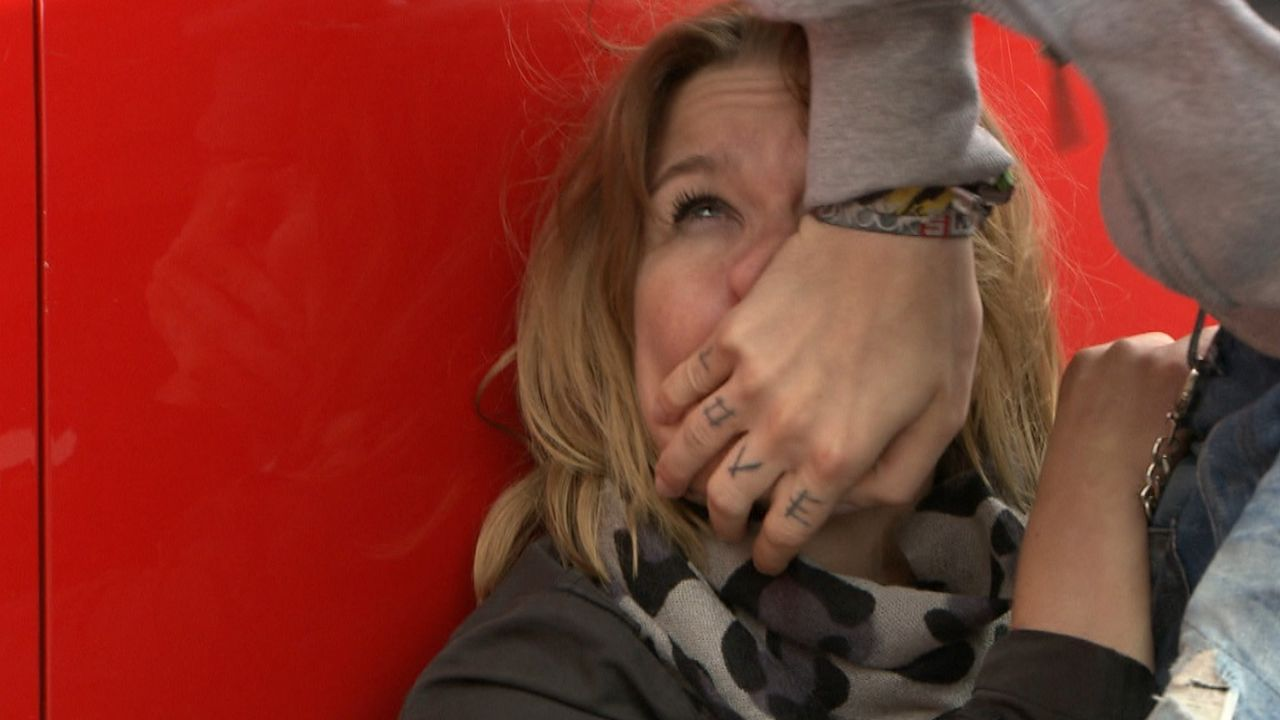 Lisa Brandt ist mit ihren Kräften völlig am Ende. Verzweifelt versucht die 34-Jährige Beruf und Privatleben unter einen Hut zu bekommen. Fast unm... - Bildquelle: SAT.1