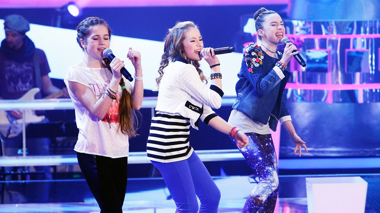 The-Voice-Kids-epi04-Rita-Sarah-Alexandra-4-SAT1-Richard-Huebner - Bildquelle: SAT.1/Richard Hübner