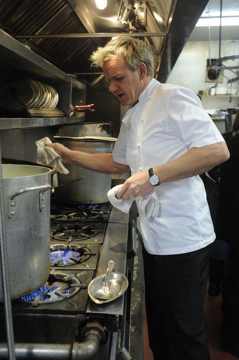 """Gordon Ramsey will die Karte und damit auch die Küche des """"Spanish Pavillion"""" auf Vordermann bringen ... - Bildquelle: Fox Broadcasting.  All rights reserved."""