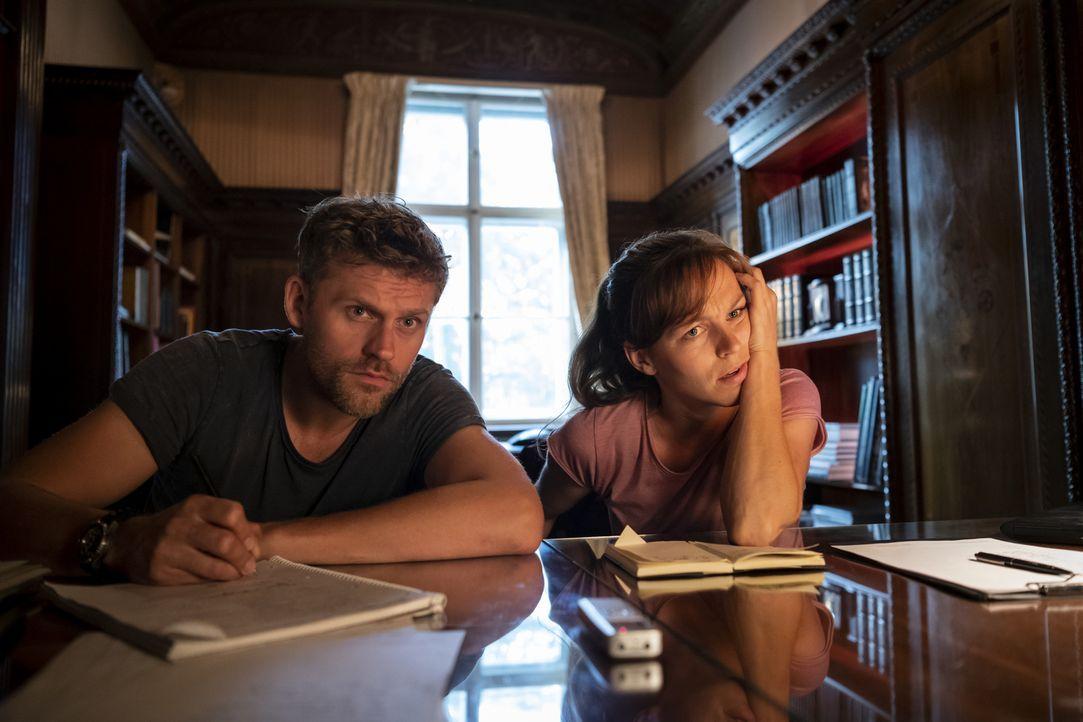 (v.l.n.r.) Elias Decker (Jens Atzorn); Caro Belzig (Franziska Wulf) - Bildquelle: Christoph Assmann SAT.1/Christoph Assmann