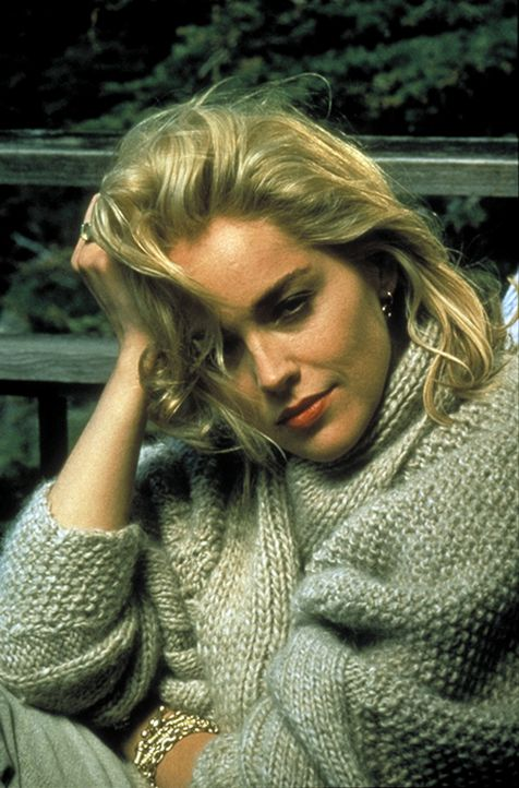 Leichen pflastern ihren Weg: Catherine Tramell (Sharon Stone). - Bildquelle: 1992 Carolco Pictures Inc. and Le Studio Canal+ S.A. All Rights Reserved.