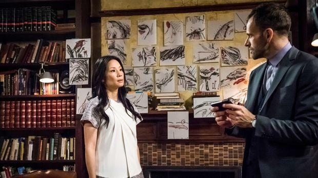 Sherlock Holmes (Jonny Lee Miller, r.) und Dr. Watson (Lucy Liu, l.) ermittte...