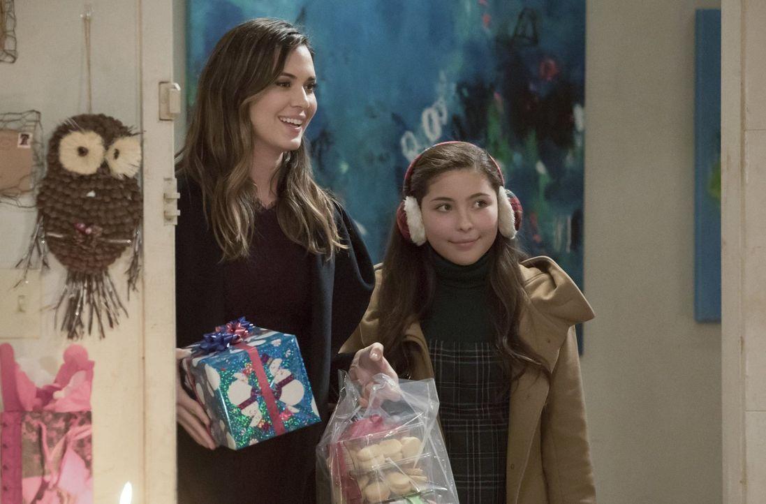 Ruby (Emma Tremblay, r.) beginnt sich ernsthafte Sorgen um ihre Mutter Sam (Odette Annable, l.) zu machen, als sich diese nicht mehr an ihren gerade... - Bildquelle: 2017 Warner Bros.