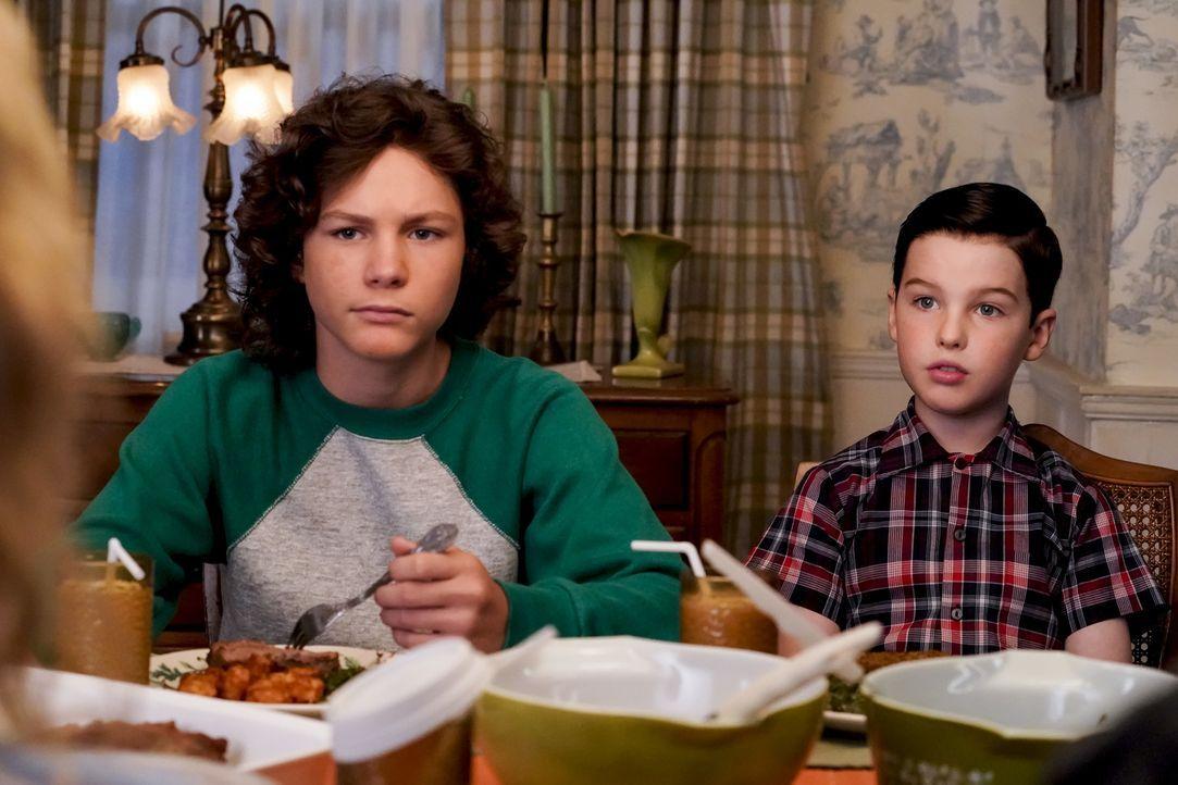 Georgie (Montana Jordan, l.); Sheldon (Iain Armitage, r.) - Bildquelle: Warner Bros.