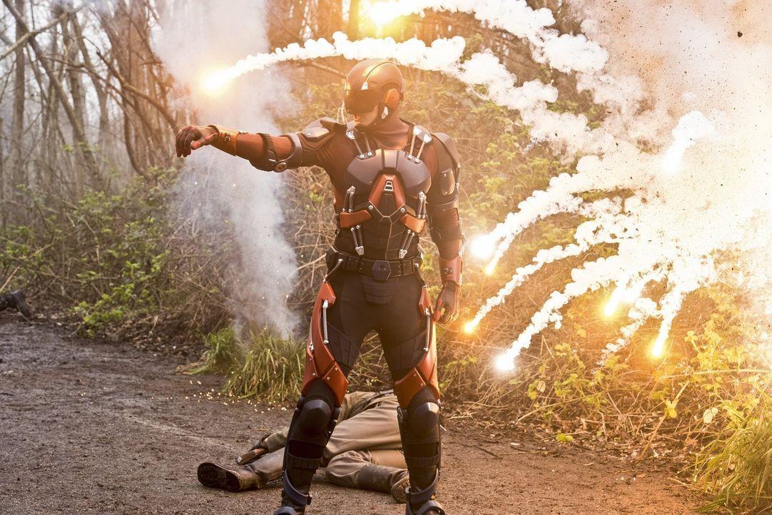 Ein Kampf zur Rettung der Welt steht Ray alias The Atom (Brandon Routh) und seinen Teamkollegen bevor ... - Bildquelle: 2015 Warner Bros.
