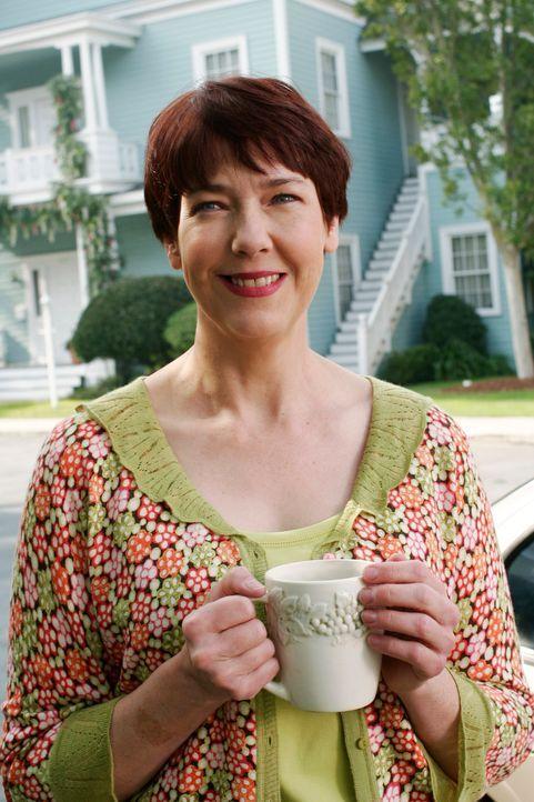 Felicia Tilman (Harriet Sansom Harris) ist wieder zurück in der Wisteria Lane um noch offene Rechnungen zu begleichen ... - Bildquelle: 2005 Touchstone Television  All Rights Reserved