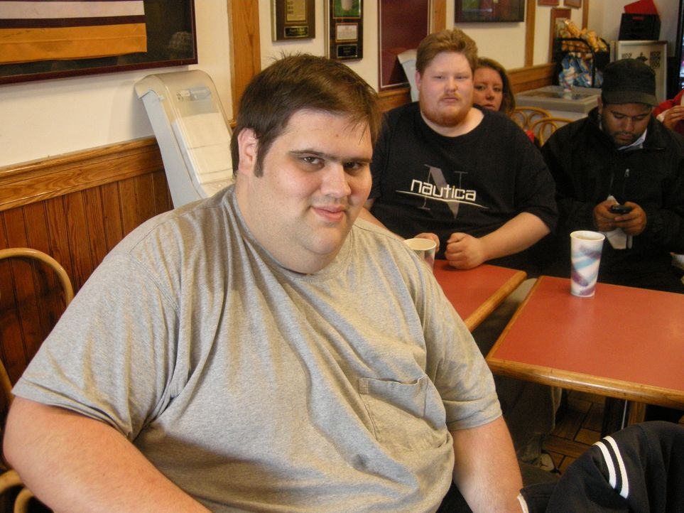 Adam oder Chuck (Foto)? Wer wird die Eagle-Burger-Challenge im Eagles Deli für sich entscheiden? - Bildquelle: Sean Yopchick 2008, The Travel Channel, L.L.C.