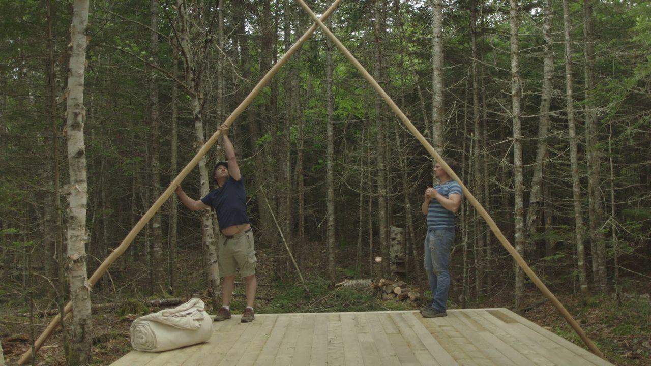 Damit ihre Besucher künftig einen gemütliche Unterkunft haben, bauen Andrew (l.) und Kevin (r.) gemeinsam ein gemütliches, saisonales Outdoor-Zelt .... - Bildquelle: Brojects Ontario Ltd./Brojects NS Ltd