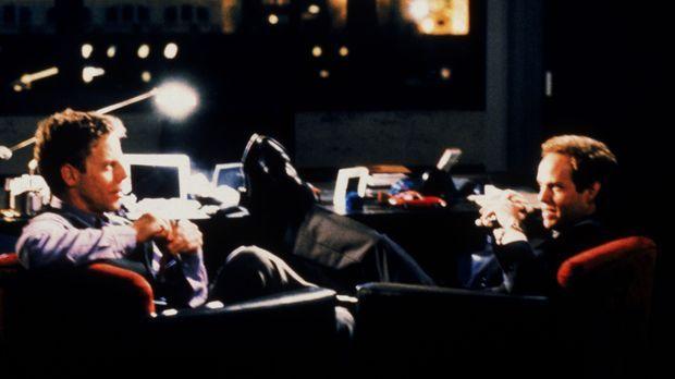 Richard Fish (Greg Germann, l.) und John Cage (Peter MacNicol, r.) wollen unb...