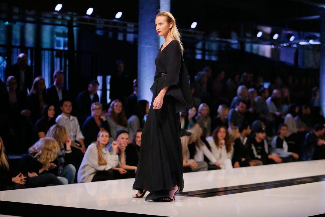 GNTM-Stf11-Epi01-erste-fashion-show-13-ProSieben-Huebner - Bildquelle: ProSieben/Richard Huebner