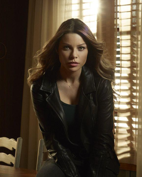 (1. Staffel) - Die taffe Polizistin Chloe Decker (Lauren German) stolpert bei einem Einsatz über den geheimnisvollen Lucifer und setzt ihn als Berat... - Bildquelle: 2016 Warner Brothers