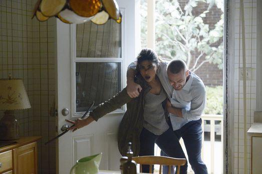 Quantico - Nachdem Natalie Alex (Priyanka Chopra, r.) und Ryan (Jake McLaughl...