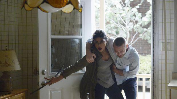 Nachdem Natalie Alex (Priyanka Chopra, r.) und Ryan (Jake McLaughlin, l.) lau...