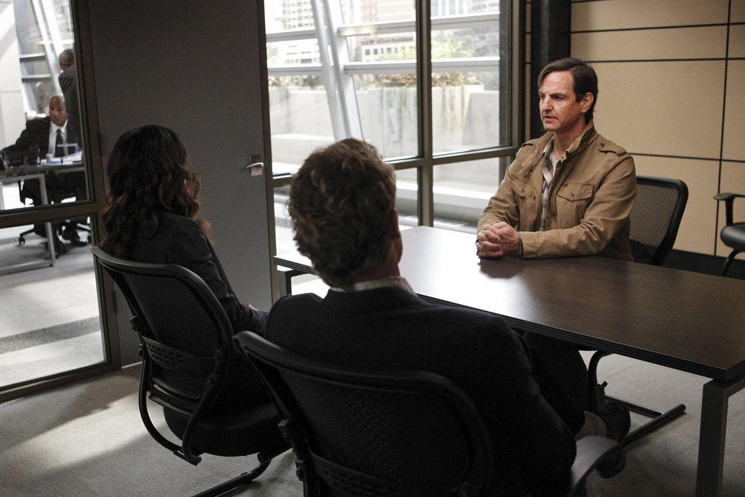 Ein Schock für das Team: Grace wurde aus ihrem Hotelzimmer entführt, während Rigsby mit seinen Ex-CBI-Kollegen auf ein Bier unterwegs war. Der Haupt... - Bildquelle: Warner Bros. Television
