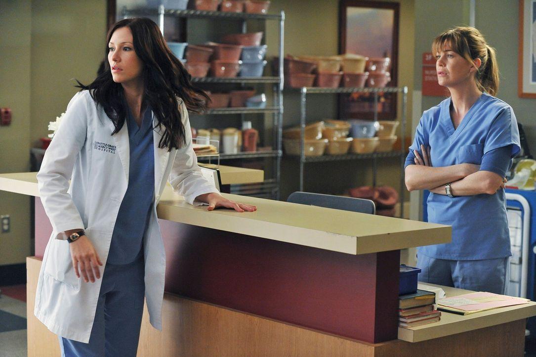 Sind entsetzt von der neuen Freundin ihres Vaters: Meredith (Ellen Pompeo, r.) und Lexie (Chyler Leigh, l.) ... - Bildquelle: ABC Studios