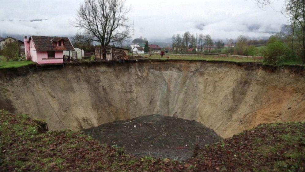Erdloch in Bosnien