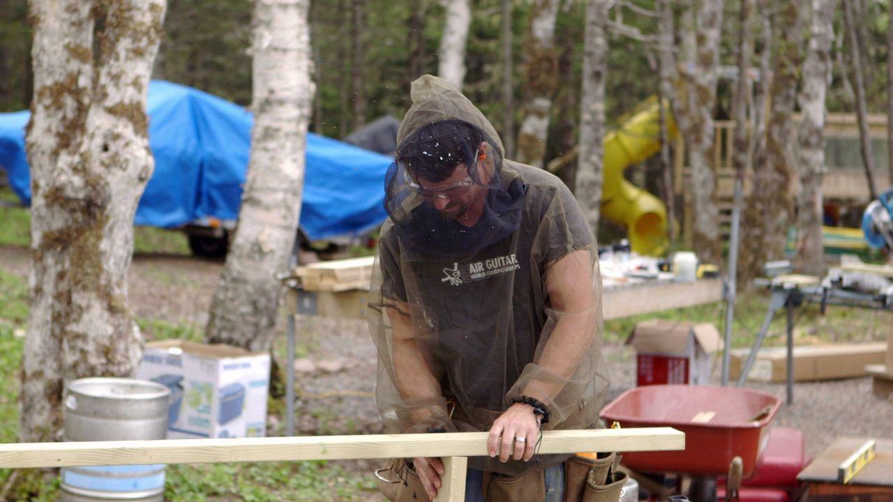 Konzentriert ist Andrew bei der Arbeit. Er kann es kaum abwarten, mit der mobilen Küche erste Surf'n'Turf-Erfahrungen zu machen ... - Bildquelle: Brojects Ontario Ltd./Brojects NS Ltd