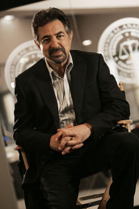(4. Staffel) - Mitglied der B.A.U., einer FBI-Einheit, die sich mit verhaltensauffälligen Tätern beschäftigt: Supervisory Special Agent David Rossi... - Bildquelle: Touchstone Television