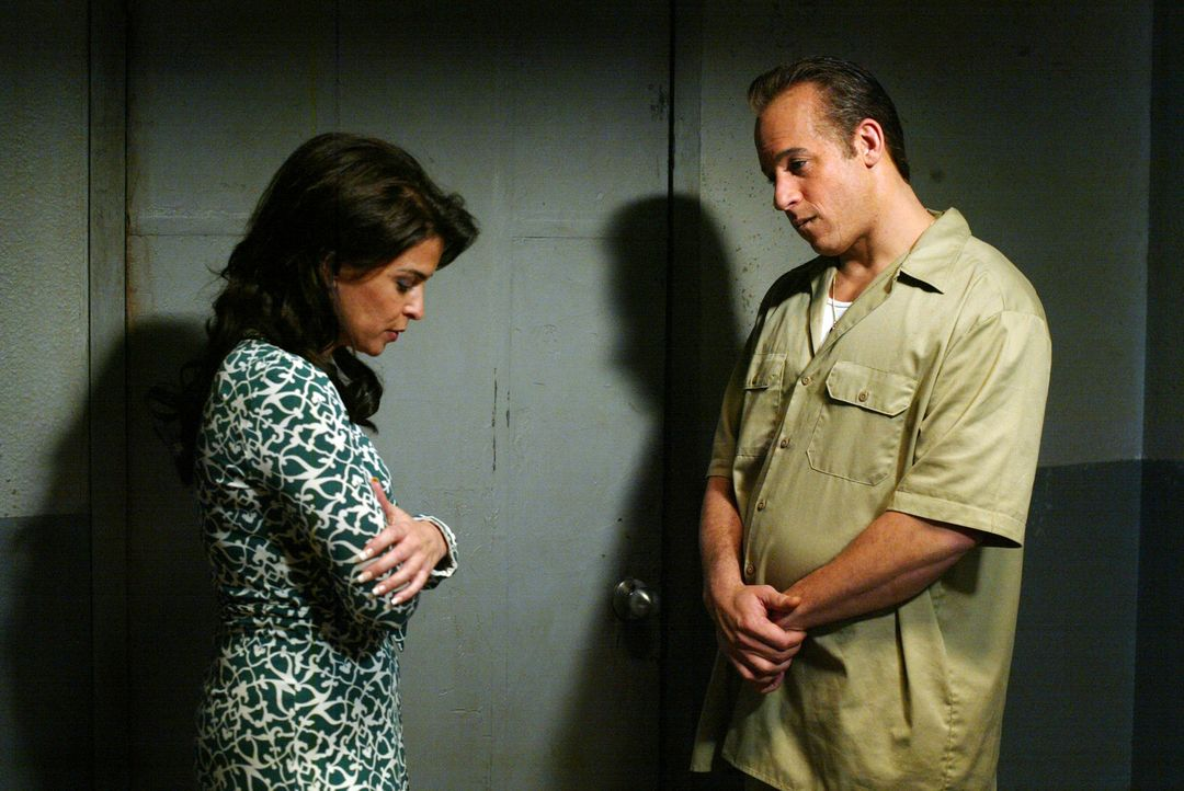 Als Jacks Ex-Frau (Annabella Sciorra, l.) ihn im Knast besucht, wird ihr klar, dass es sich bei Jack (Vin Diesel, r.) eben doch nicht um den harmlos... - Bildquelle: 2006 Yari Film Group Releasing, LLC