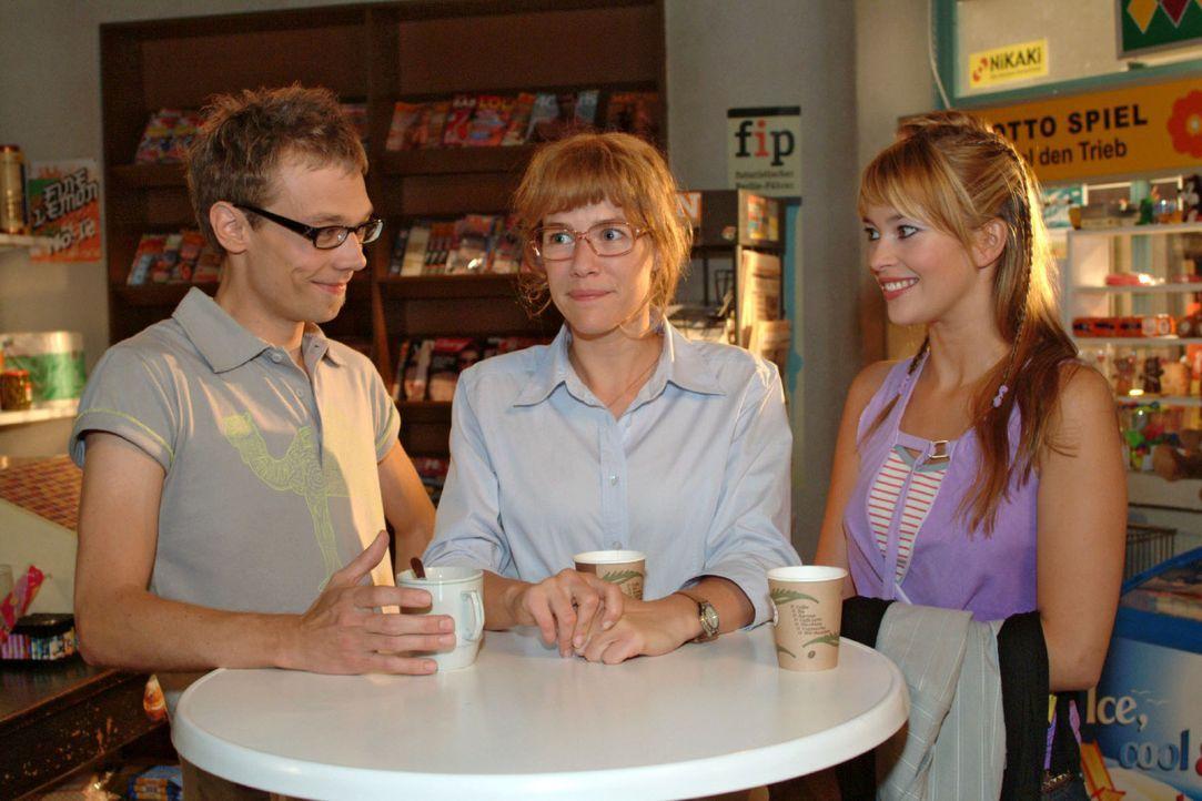 """Hochmotiviert geht das """"B.STYLE"""" -Team - Lisa (Alexandra Neldel, M.), Hannah (Laura Osswald, r.) und Jürgen (Oliver Bokern, l.) ans Werk ... (Dieses... - Bildquelle: Monika Schürle Sat.1"""
