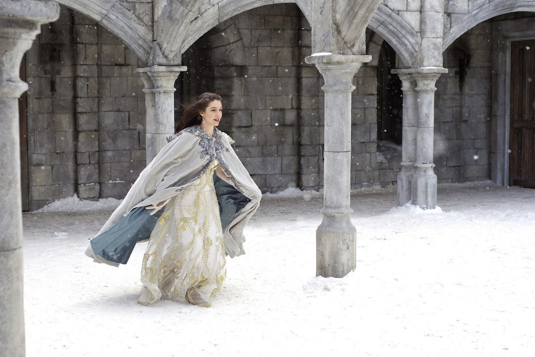 Mary (Adelaide Kane) weiß, dass Schottland bedroht ist. Sie hat Francis bereits unmissverständlich klargemacht, dass sie für die Rettung ihres Lande... - Bildquelle: Sven Frenzel 2013 The CW Network, LLC. All rights reserved.