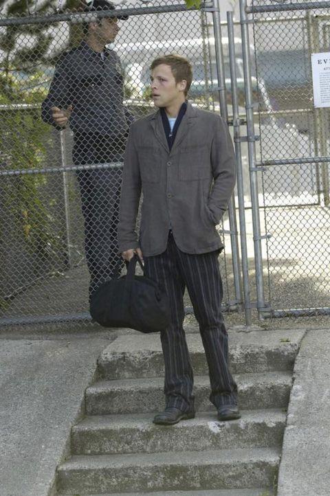 Kyle (Chad Faust, r.) wird aus den Gefängnis entlassen ... - Bildquelle: Viacom Productions Inc.