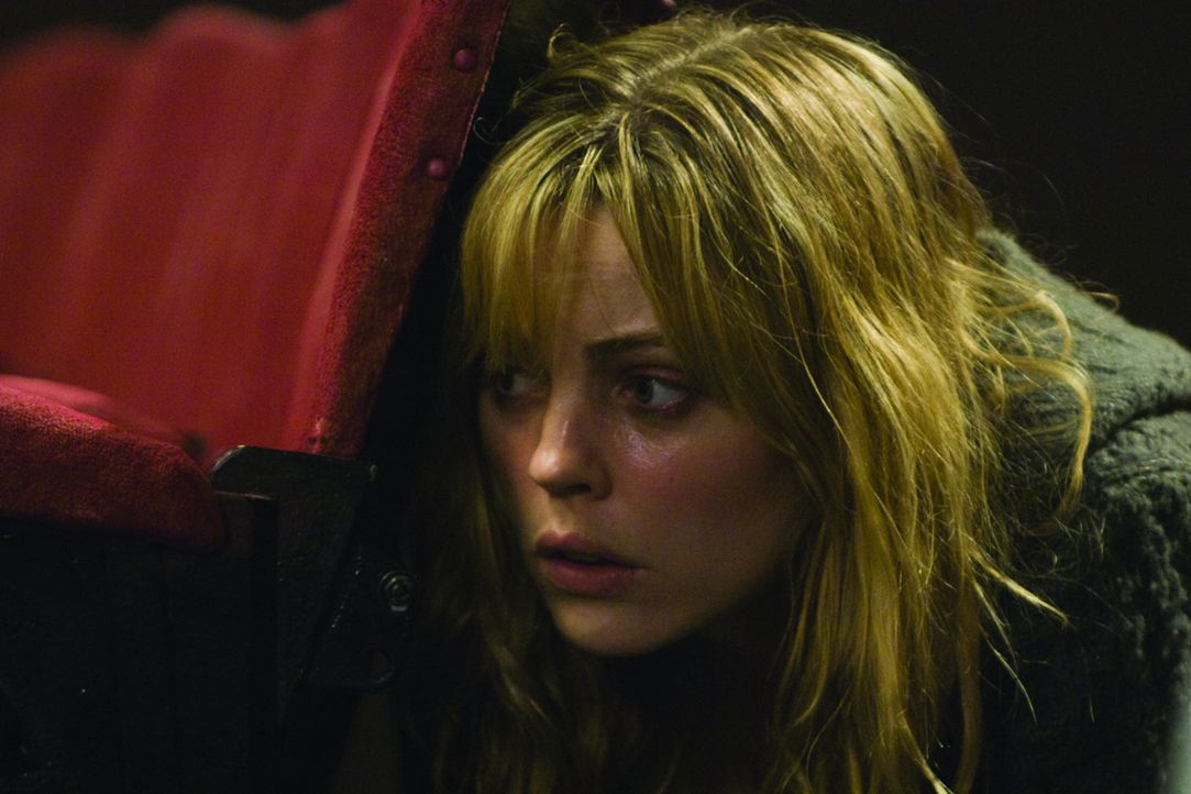 Noch ahnt Jess (Melissa George) nicht, dass sie den Schlüssel in der Hand hält, um dem Mordtreiben ein Ende zu bereiten ... - Bildquelle: Icon Entertainment/Ascot Elite