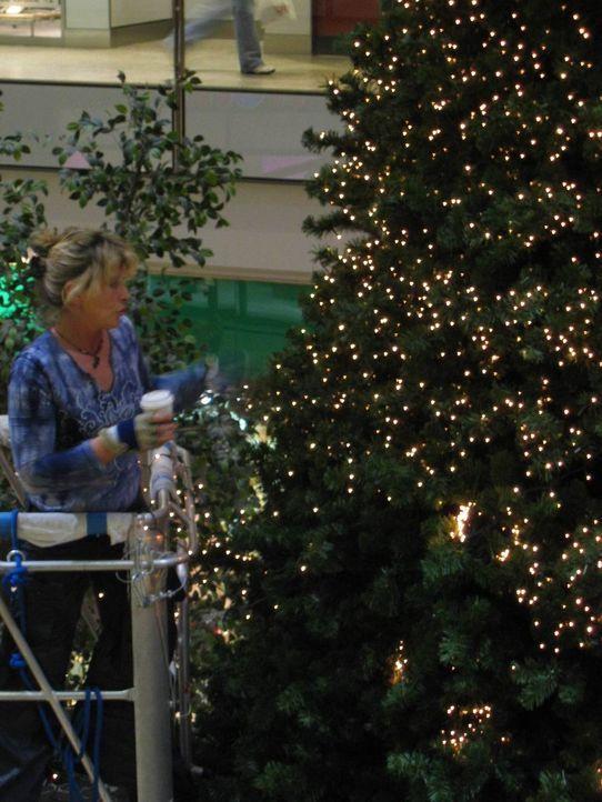 Weihnachtszeit ist Dekozeit - vor allem die Fußgängerzonen und Flaniermeilen werden in der umsatzstarken Zeit mächtig aufgerüstet. - Bildquelle: ProSiebenSat.1 TV