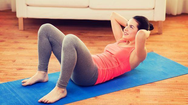 Bauchmuskeltraining zu Hause Der perfekte Couchsport