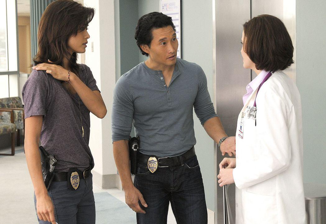 Bei den Ermittlungen in einem neuen Fall, kommen Chin (Daniel Dae Kim, M.) und Kono (Grace Park, l.) einer Entführung auf die Spur, bei deren Aufkl... - Bildquelle: TM &   2010 CBS Studios Inc. All Rights Reserved.