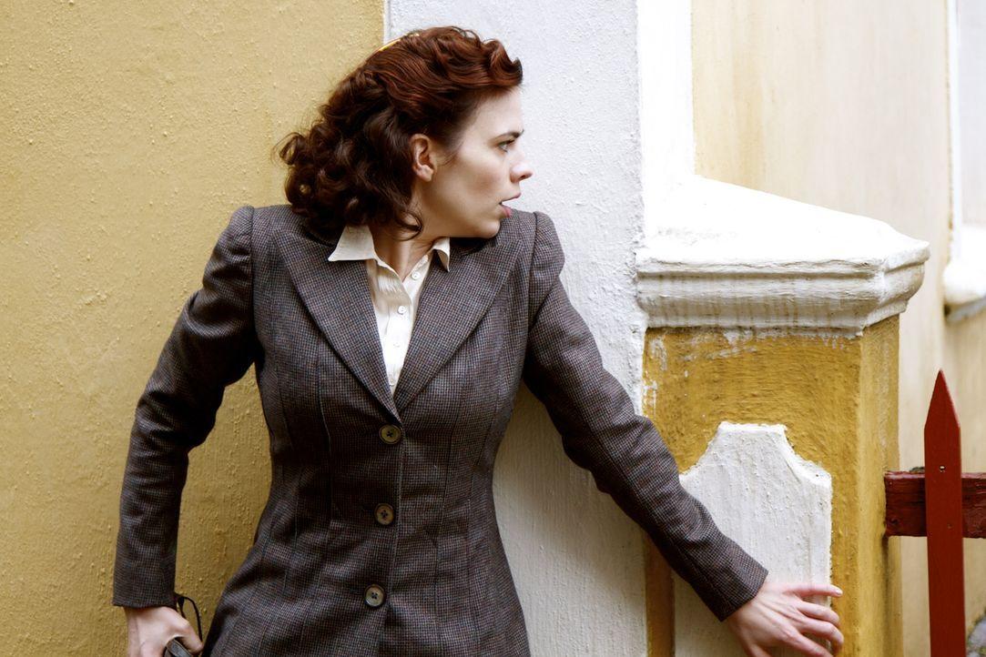 Der Zweite Weltkrieg verändert auch Eva Delectorskayas (Hayley Atwell) Leben. Doch noch einschlägiger ist ihre Entscheidung, als Spionin für die Bri... - Bildquelle: TM &   2012 BBC