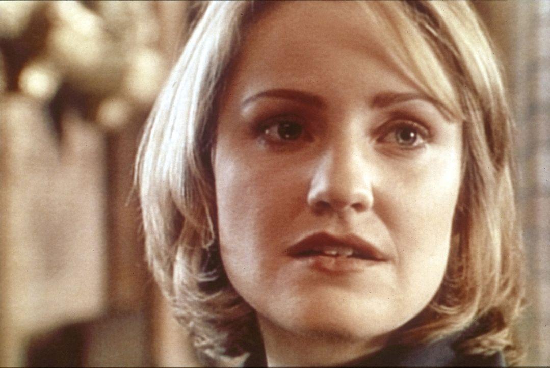 Dr. Lewis (Sherry Stringfield) leidet sehr unter der Trennung von klein Suzie. Sie konsultiert einen Psychiater. - Bildquelle: TM+  WARNER BROS.