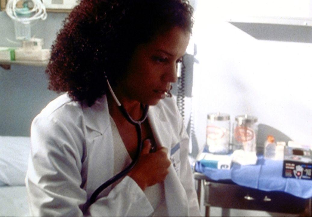 Entwarnung für Jeanie (Gloria Reuben): Ihre Beschwerden haben nichts mit dem HIV-Virus zu tun. - Bildquelle: TM+  2000 WARNER BROS.