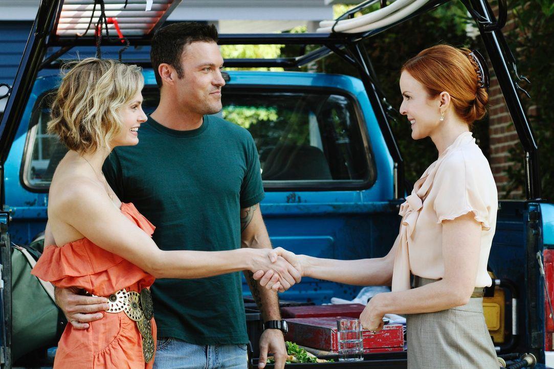 Bree (Marcia Cross, r.) ist schockiert, als sie erfährt, dass Keith (Brian Austin Green, M.) in einer festen Beziehung mit Stephanie (Annie Little,... - Bildquelle: ABC Studios