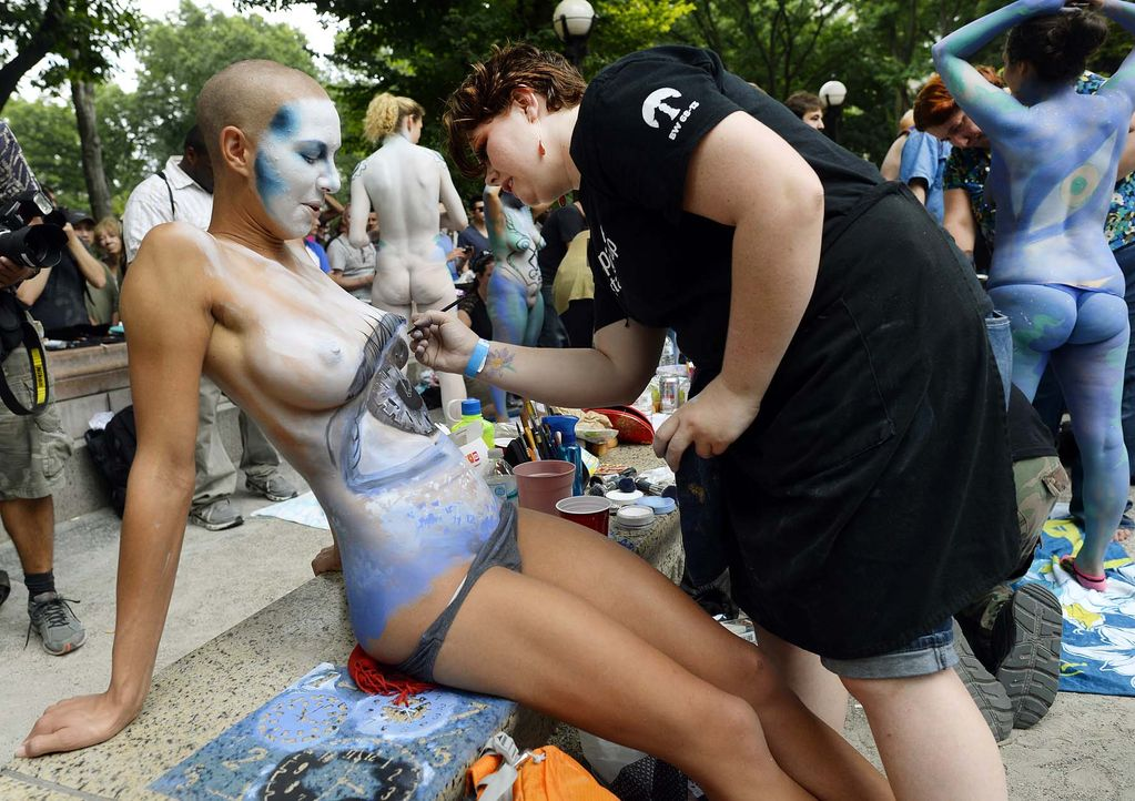 Body-Painting-14-07-26-1-AFP - Bildquelle: AFP