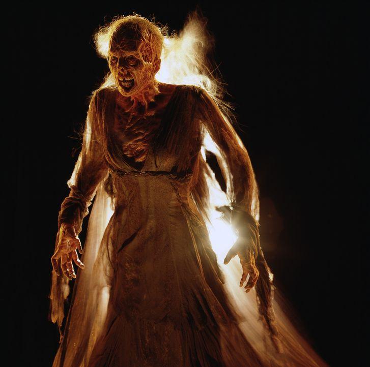 Vor 150 Jahren wurde eine alte Frau in der Kleinstadt Darkness Falls grausam gelyncht, weil man sie zu Unrecht eines Verbrechens beschuldigt hatte.... - Bildquelle: 2004 Sony Pictures Television International. All Rights Reserved.