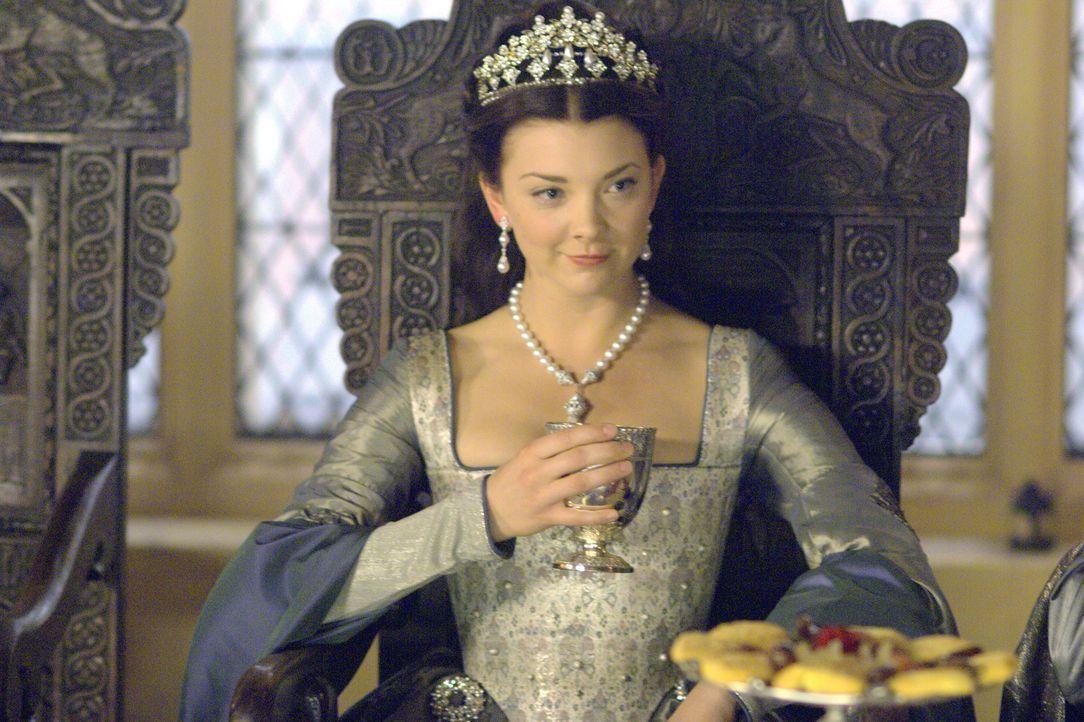 Hofft auf die Zustimmung des französischen Königs, dass er einer Verlobung zwischen Elisabeth und seinem Sohn zustimmt: Königin von England (Natalie... - Bildquelle: 2008 TM Productions Limited and PA Tudors II Inc. All Rights Reserved.