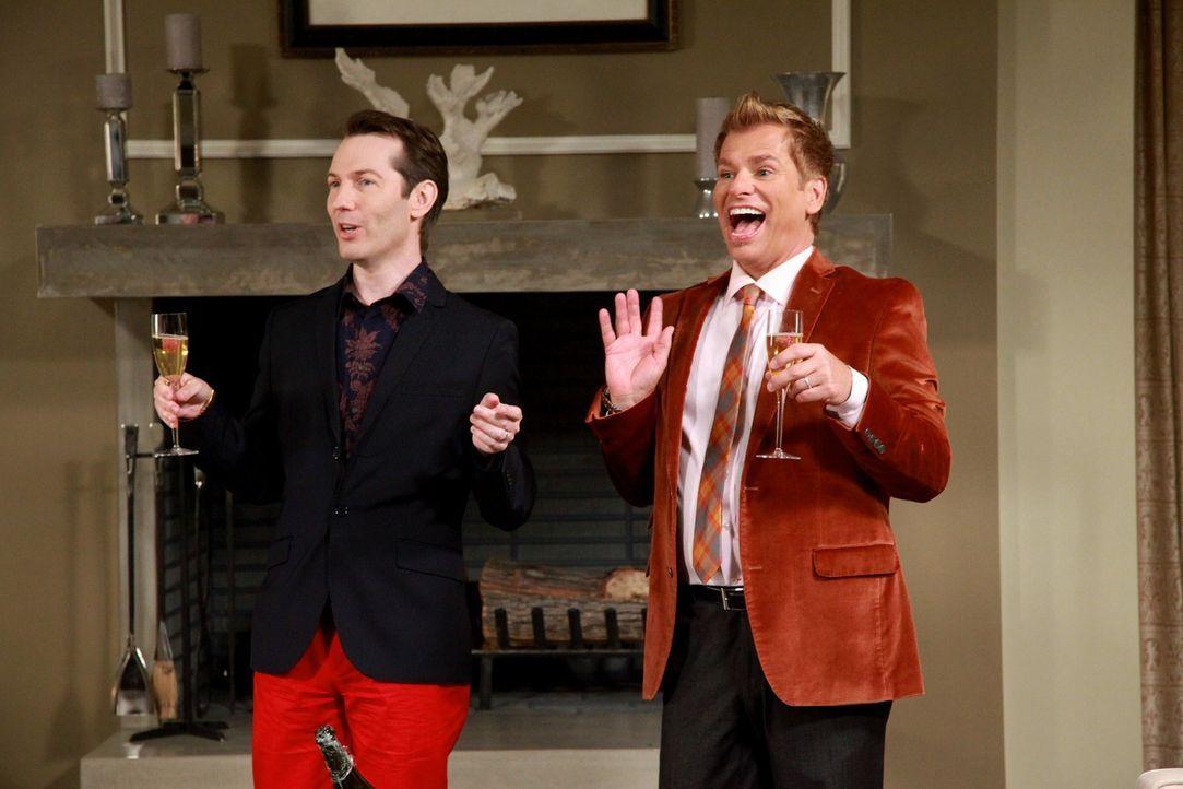Freuen sich über den tollen Männerausflug: Alex (Alex Boling, l.) und Tom (Todd Sherry, r.) ... - Bildquelle: Warner Bros. Television