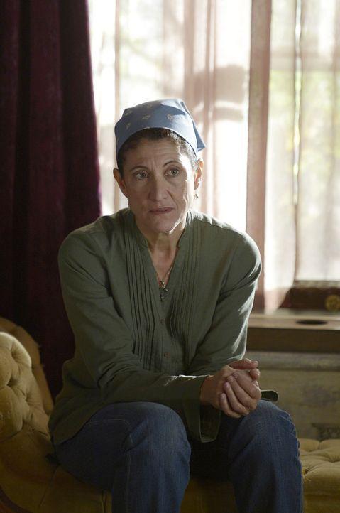Wird Donnas (Amy Aquino) Vergangenheit Sally die Augen öffnen oder sie nur in ihrer Hoffnung bestärken? - Bildquelle: Philippe Bosse 2014 B.H. 4 Productions (Muse) Inc. ALL RIGHTS RESERVED.