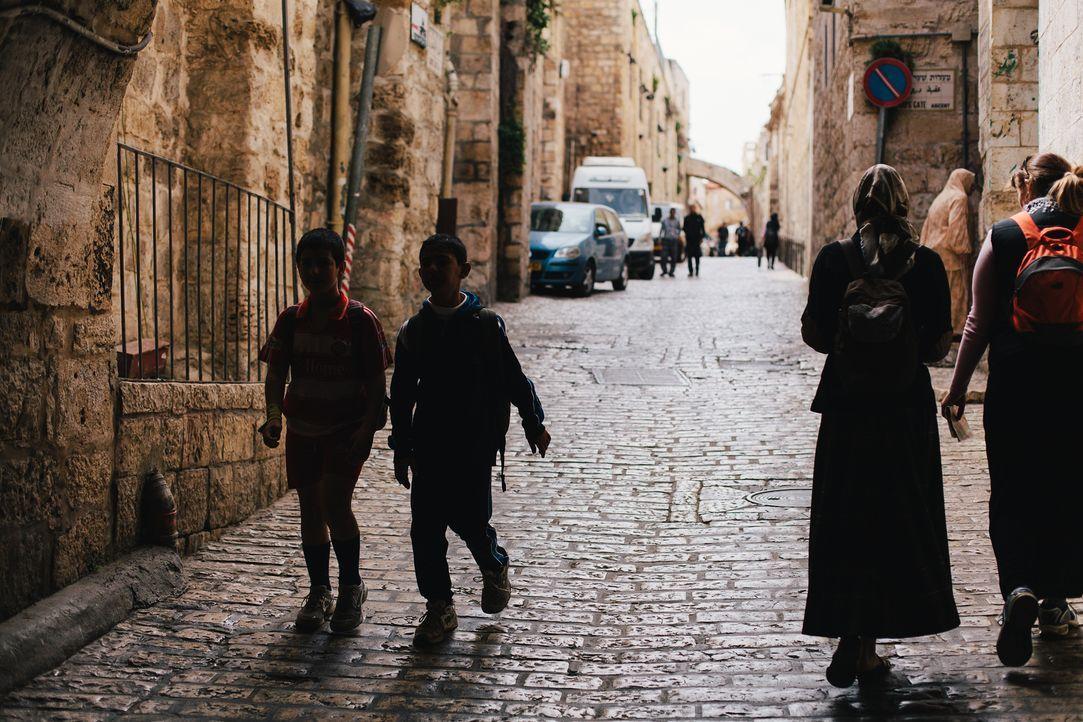 Liegt unter den Straßen von Jerusalem der vermisste Schatz der Tempelritter? Der Templerschatz ist ein sagenumwobener, bis heute nicht gefundener Sc... - Bildquelle: LIKE A SHOT ENTERTAINMENT 2014