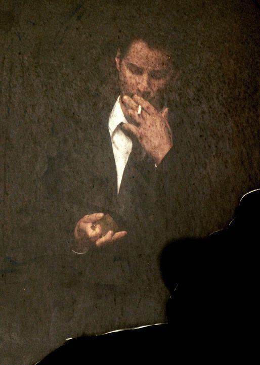 Constantines (Keanu Reeves) Tage auf der Erde sind gezählt. Er leidet an Lungenkrebs im Endstadium. Deshalb versucht er mit allen Mitteln gegen das... - Bildquelle: Warner Brothers