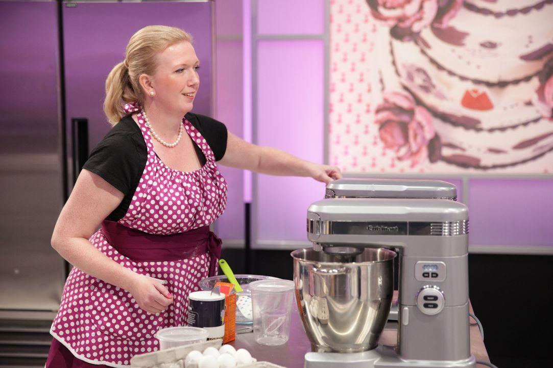 """Wie werden sich Bäckerin Erin Eason und ihre Assistentin Heather Berkeley (Bild) bei der Erstellung eines """"Hello Kitty"""" Kuchens schlagen? - Bildquelle: 2015, Television Food Network, G.P. All Rights Reserved"""