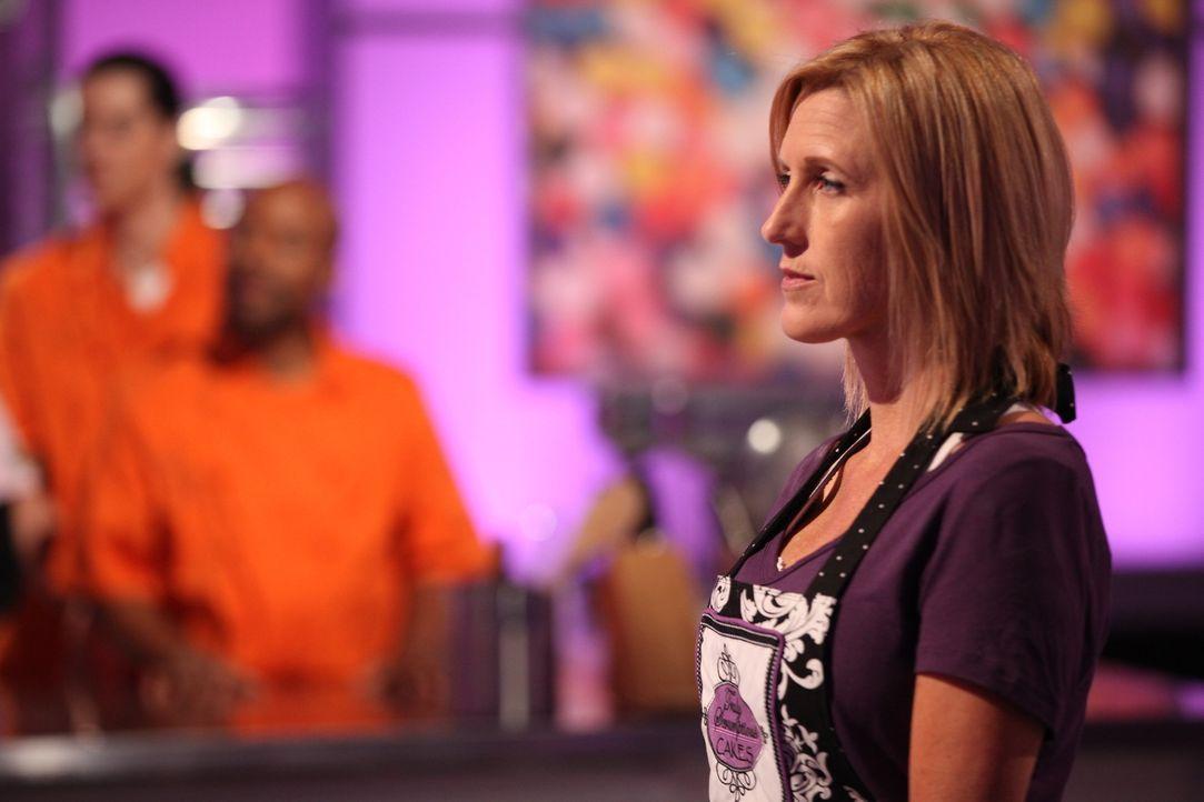 Dem Urteil der Jury sieht Beth Hassman angespannt entgegen. Sie wünscht sich nichts mehr, als den Cake War und die $10000 Preisgeld für sich zu gewi... - Bildquelle: 2016,Television Food Network, G.P. All Rights Reserved