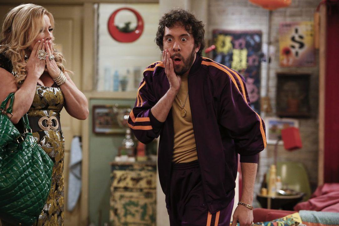 Sind entsetzt, als sie erfahren, dass ein britischer Rockstar an einer Drogenüberdosis direkt vor Max' und Carolines Cupcake-Fenster gestorben ist:... - Bildquelle: Warner Brothers