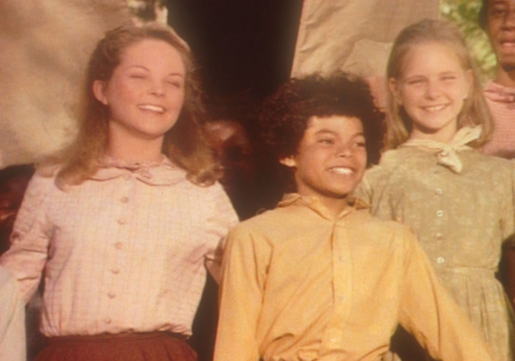 Mary (Melissa Sue Anderson, l.) und ihre Schülerin Sue (Michelle Downey, r.) freuen sich, in Zukunft mit Samson (Marcus Wyatt, M.) und seinen blinde... - Bildquelle: Worldvision