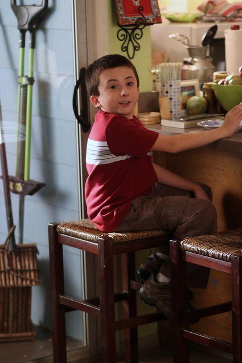 Seine Lehrerin Ms. Rinsky hat kein Verständnis für die komischen Angewohnheiten ihres neuen Schülers: Brick (Atticus Shaffer) ... - Bildquelle: Warner Brothers